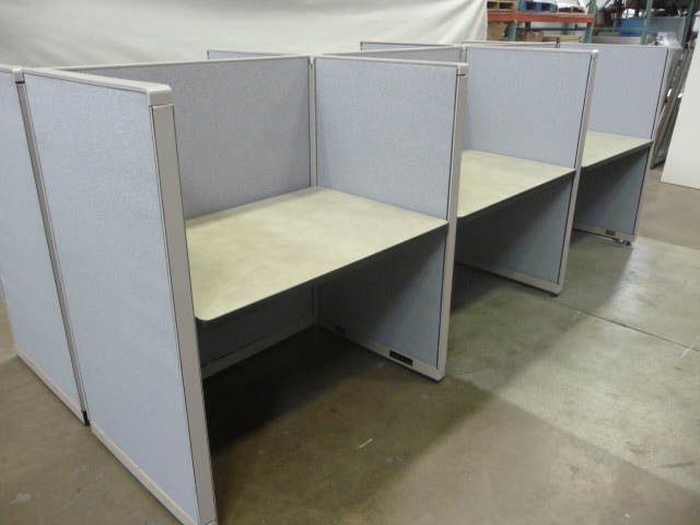 "Callcenter / Telemarketing workstation 45"" x 30"" x 53""45"" x 25"" x 53"" (Used)"